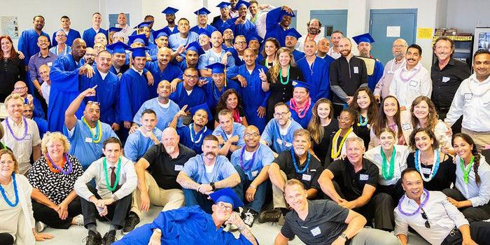 Dàn dựng cuộc thi gọi vốn như Shark Tank, tổ chức phi lợi nhuận giúp tù nhân có cơ hội trở thành doanh nhân - Ảnh 1.