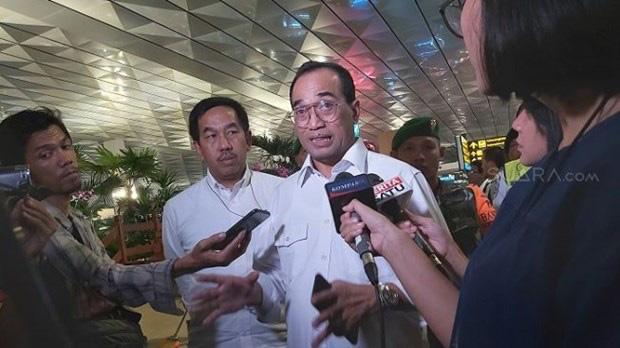 Dịch COVID-19: Bộ trưởng Giao thông Indonesia phải nhập viện điều trị - Ảnh 1.