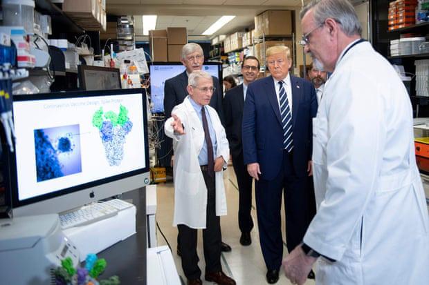Lô vaccine Covid - 19 đầu tiên của Mỹ đã xuất xưởng - Ảnh 1.