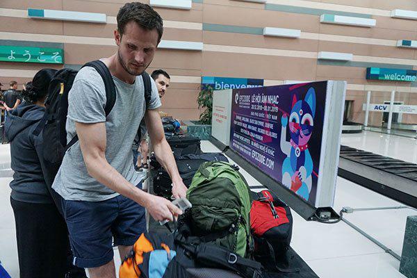 Đóng visa đến Việt Nam, du lịch rối tung tìm cách dừng tour - Ảnh 1.