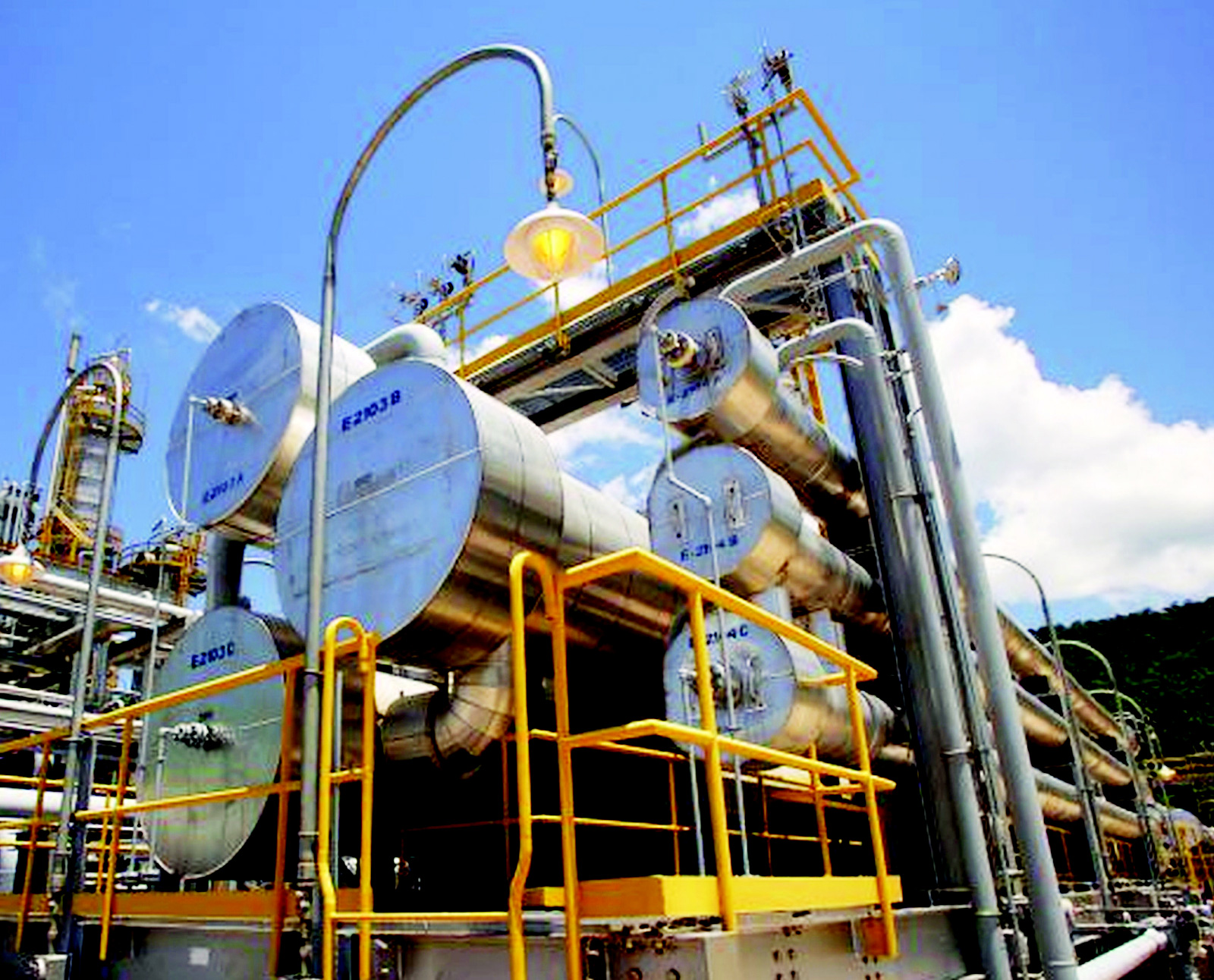 Giá gas hôm nay 20/3: Tiếp tục giảm gần 3%, nhu cầu tiêu thụ khí đốt giảm do dịch COVID-19 lan rộng - Ảnh 1.