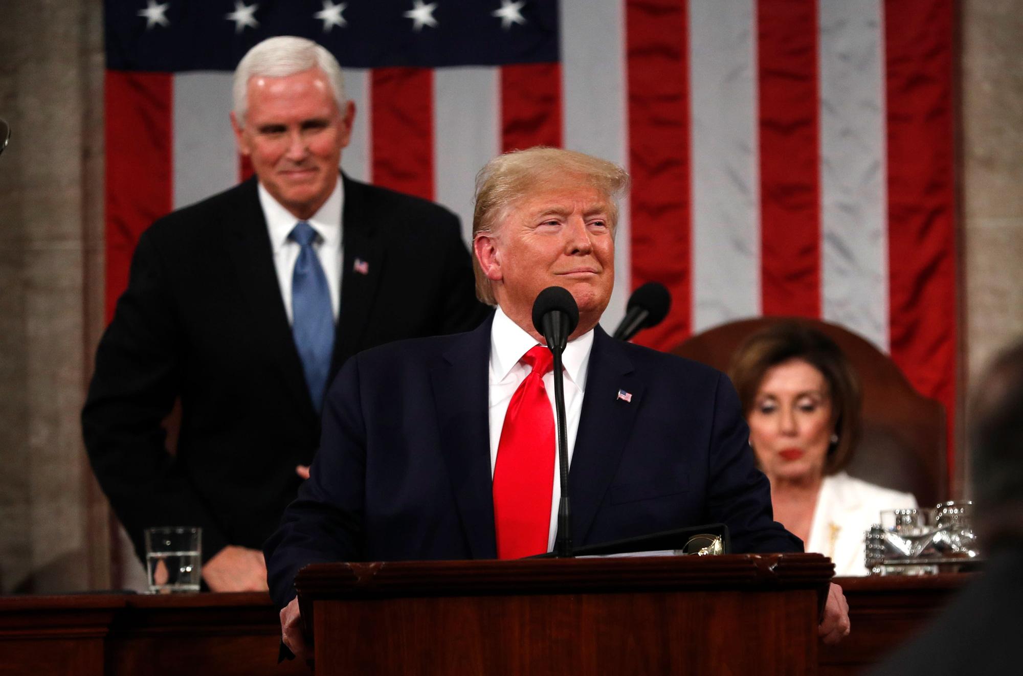 Các trụ cột chính trong chiến dịch tái tranh cử của ông Trump đang sụp đổ - Ảnh 1.