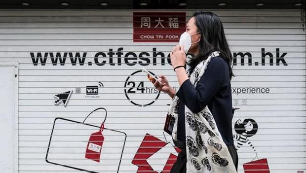 Người dân Hong Kong 'ồ ạt' bán xa xỉ phẩm do suy thoái kinh tế - Ảnh 1.