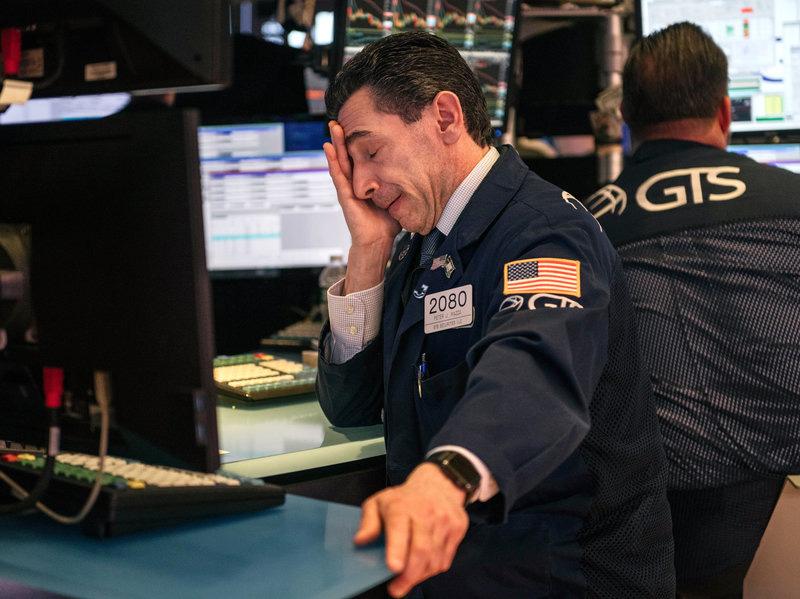 Kiếm củi ba năm, thiêu một tháng: Dow Jones hiện nay thấp hơn khi Tổng thống Trump nhậm chức năm 2017 - Ảnh 1.