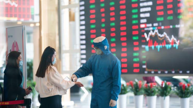 Trung Quốc muốn biến mình thành nhân tố ổn định thị trường tài chính toàn cầu đang chao đảo - Ảnh 1.