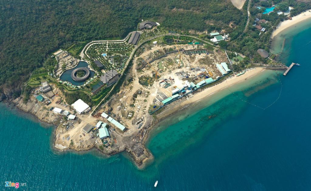 Xây công trình không phép ở đảo Hòn Tằm, lấn danh thắng vịnh Nha Trang - Ảnh 1.