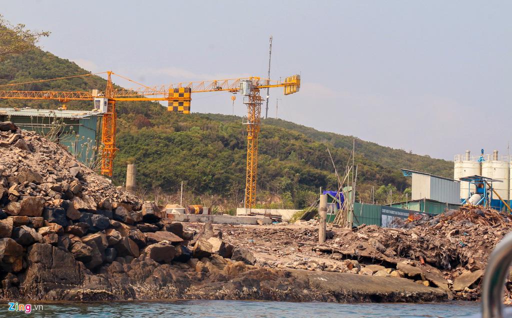 Xây công trình không phép ở đảo Hòn Tằm, lấn danh thắng vịnh Nha Trang - Ảnh 4.