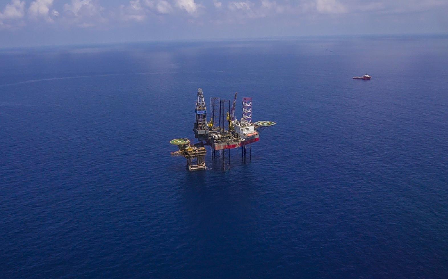 PVN đang trong giai đoạn khó khăn nhất lịch sử, đang xem xét phương án mua dự trữ dầu thô chờ thị trường ấm trở lại - Ảnh 2.