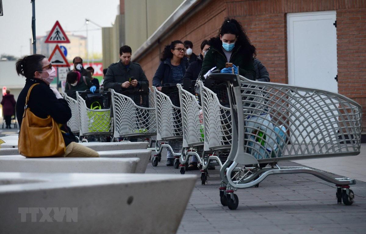 Kinh tế Italy có thể mất khoảng 100 tỉ euro mỗi tháng do dịch bệnh - Ảnh 1.