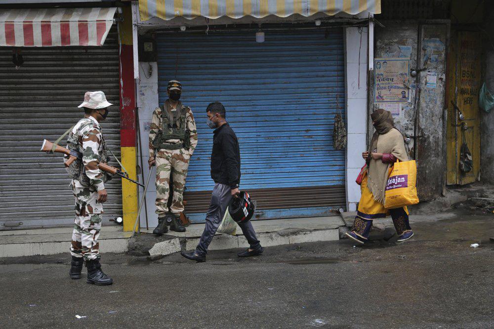 Lệnh phong tỏa lớn nhất thế giới: Ấn Độ yêu cầu 1,3 tỉ dân ở yên trong nhà để ngăn COVID-19 - Ảnh 3.