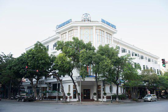 Khách sạn Hòa Bình, Hà Nội thành khu cách li phòng dịch COVID-19 chi phí tự nguyện cho người nước ngoài - Ảnh 1.