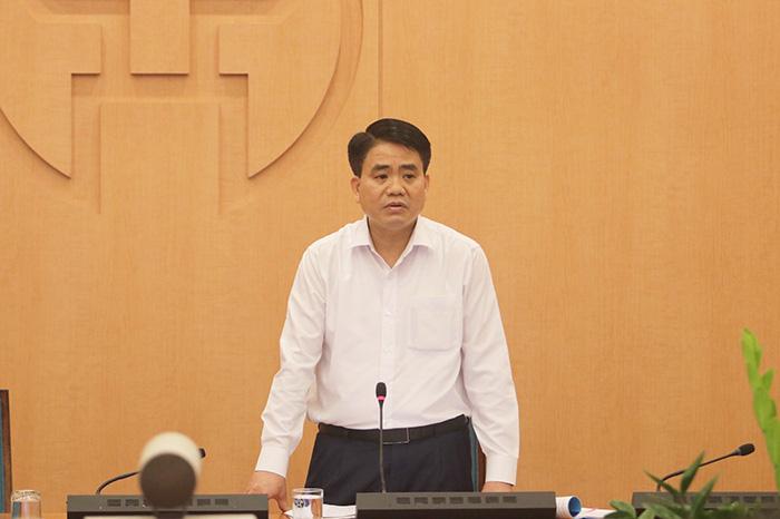 Chủ tịch Hà Nội: Đóng cửa tất cả hoạt động tập trung đông người trong 2 tuần tới, chỉ mở bán hàng thiết yếu - Ảnh 1.
