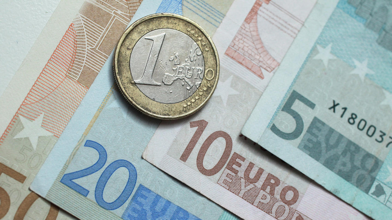 Tỷ giá đồng Euro hôm nay 24/3: Giá Euro ngân hàng đồng loạt tăng mạnh - Ảnh 1.