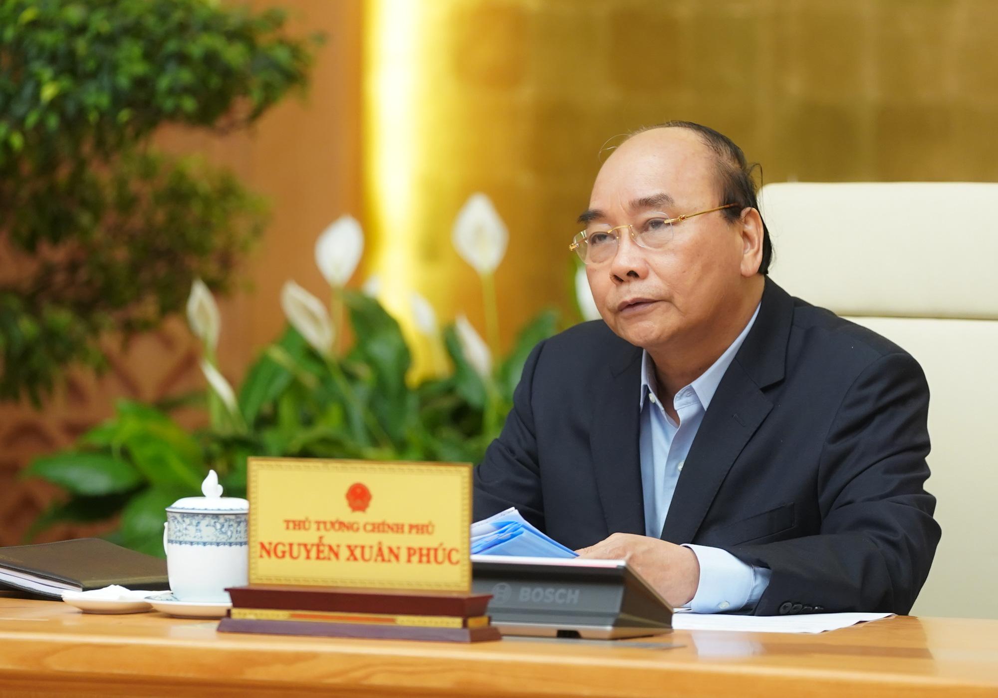 Thủ tướng: Rà soát tất cả trường hợp đã nhập cảnh Việt Nam từ 8/3, hạn chế hạ cánh tại sân bay Nội Bài, Tân Sơn Nhất - Ảnh 1.