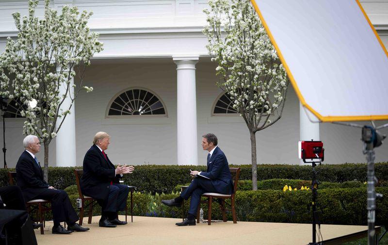 Trump tuyên bố sẽ dừng cách gọi 'virus Trung Quốc', xoa dịu căng thẳng giữa Mỹ và Trung Quốc - Ảnh 2.
