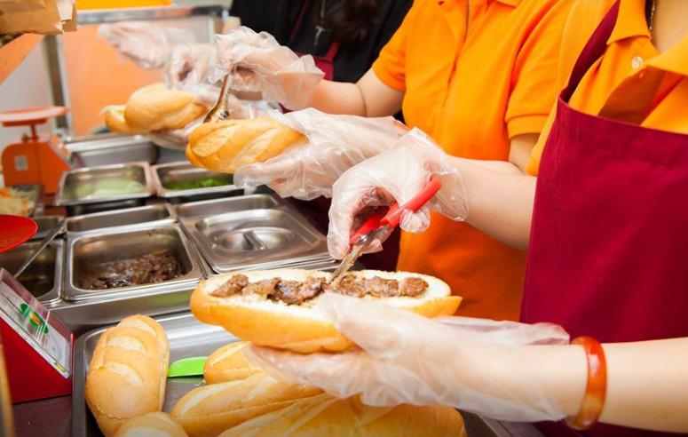 Sau 5 năm, thương hiệu bánh mì Việt xin tăng giá tối đa 5.000 đồng - Ảnh 2.