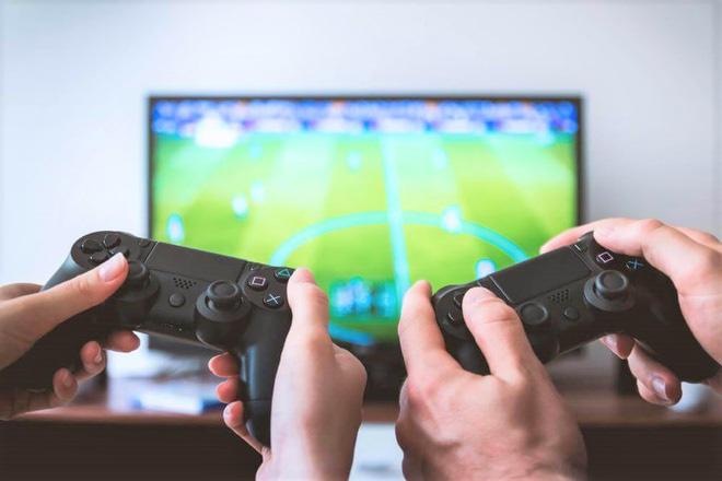 Cho thuê máy chơi game PS4, cục phát Wi-Fi ở VN mùa dịch Covid-19 - Ảnh 1.