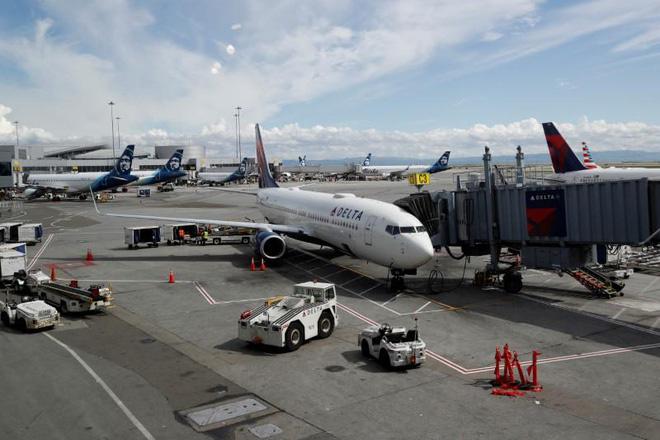 Boeing và Airbus chật vật tìm cách sống sót - Ảnh 1.