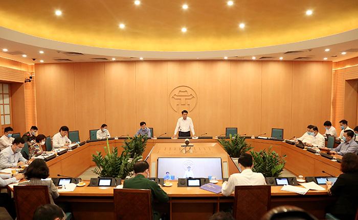 Chủ tịch TP Hà Nội: Đóng tất cả cửa hàng dịch vụ không thiết yếu đến hết 4/5/2020 - Ảnh 1.