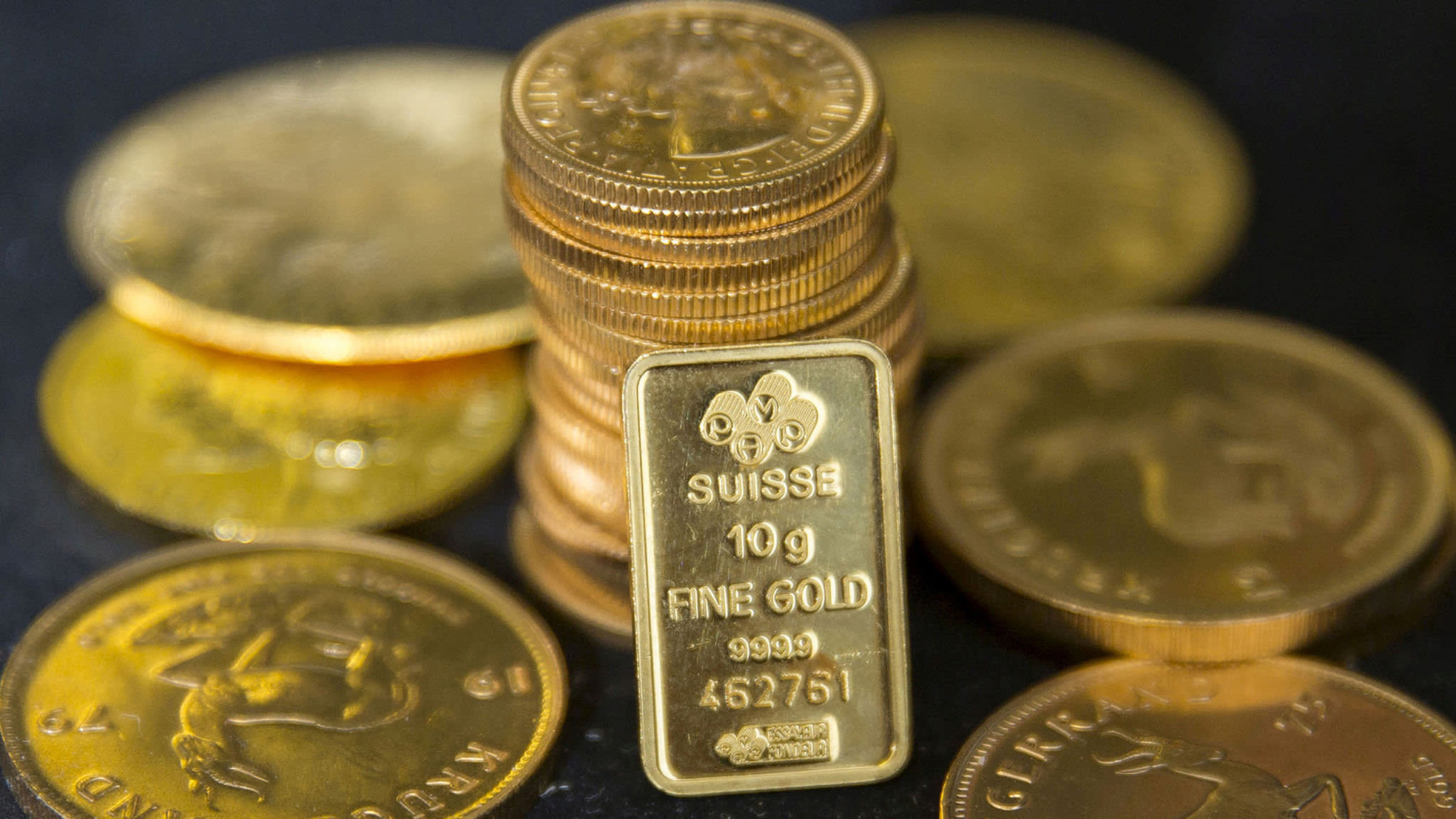 Goldman Sachs khuyên nhà đầu tư đã đến lúc nên mua vàng - Ảnh 1.