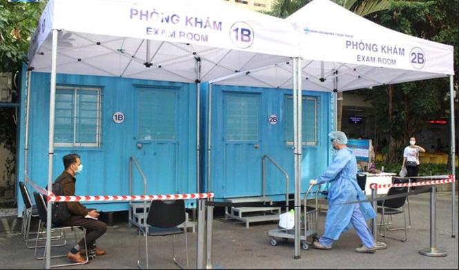TP HCM: Người dân phải khai báo y tế khi đến bệnh viện - Ảnh 1.