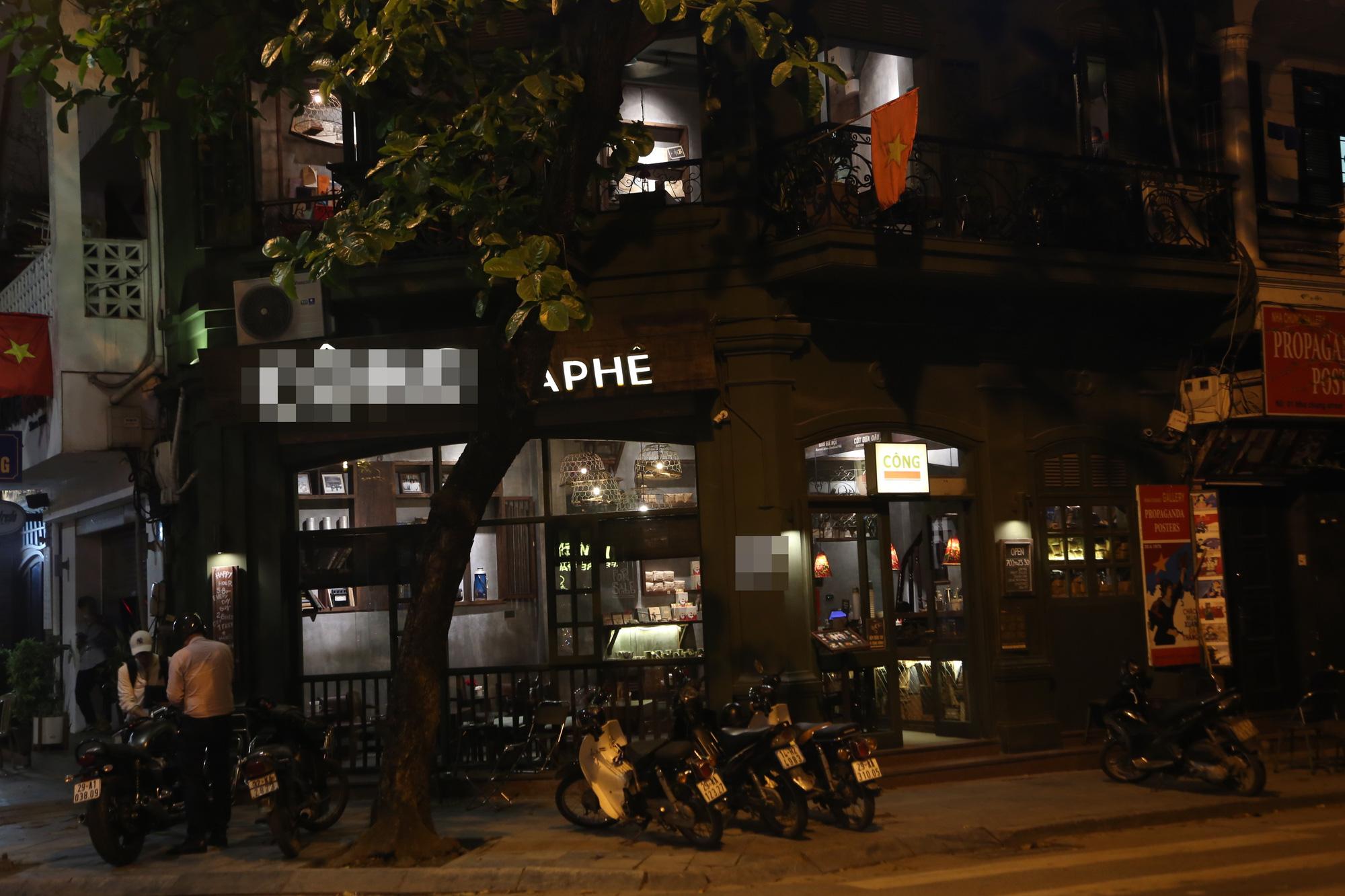 Bất chấp 'lệnh cấm', nhiều quán nhậu Hà Nội vẫn tấp nập đón khách - Ảnh 8.