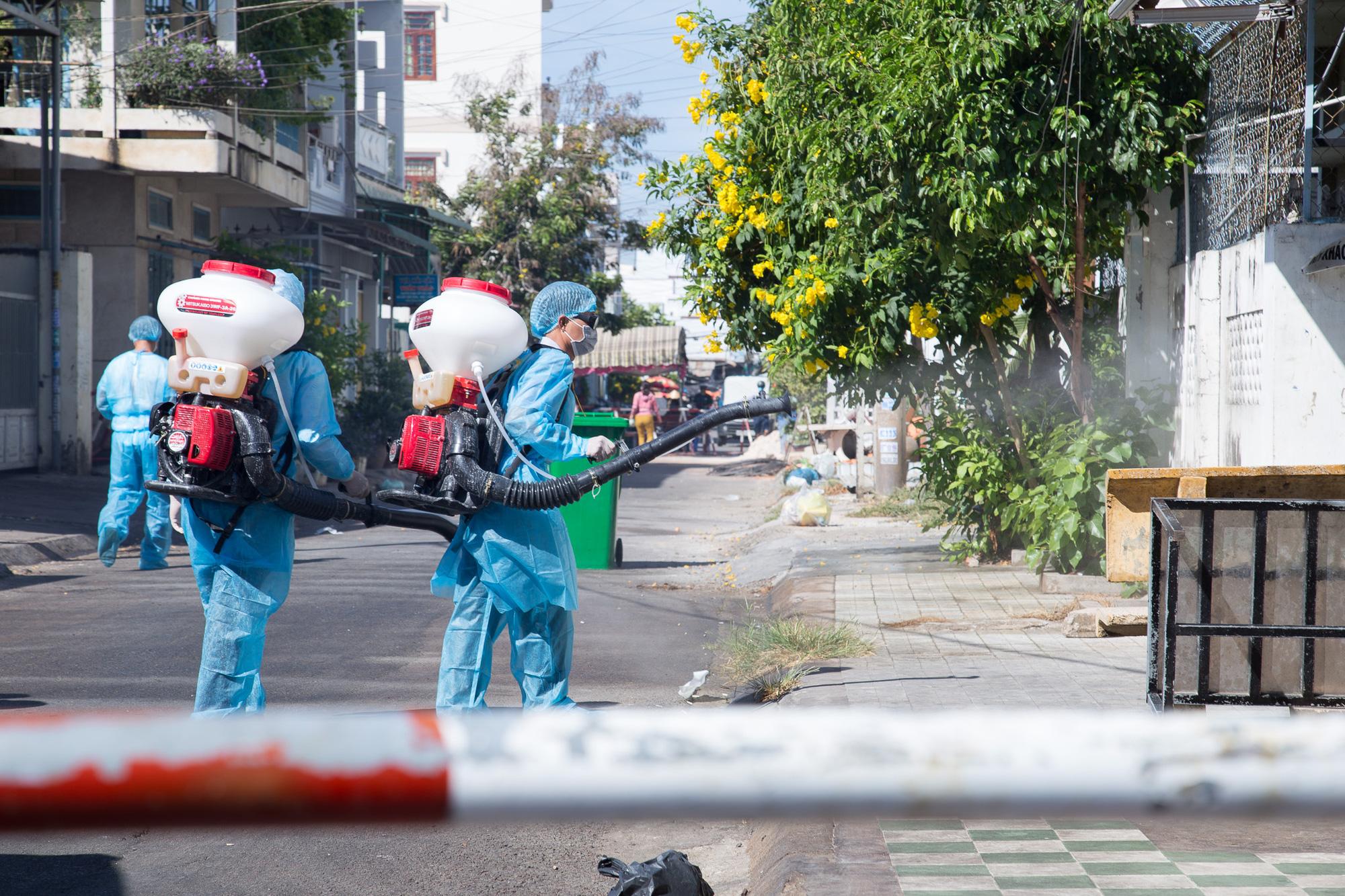 Bệnh nhân 148 đi nhiều nơi, quận Đống Đa báo cáo TP Hà Nội về việc cách li tầng 8 hoặc toàn bộ chung cư 36 Hoàng Cầu - Ảnh 1.