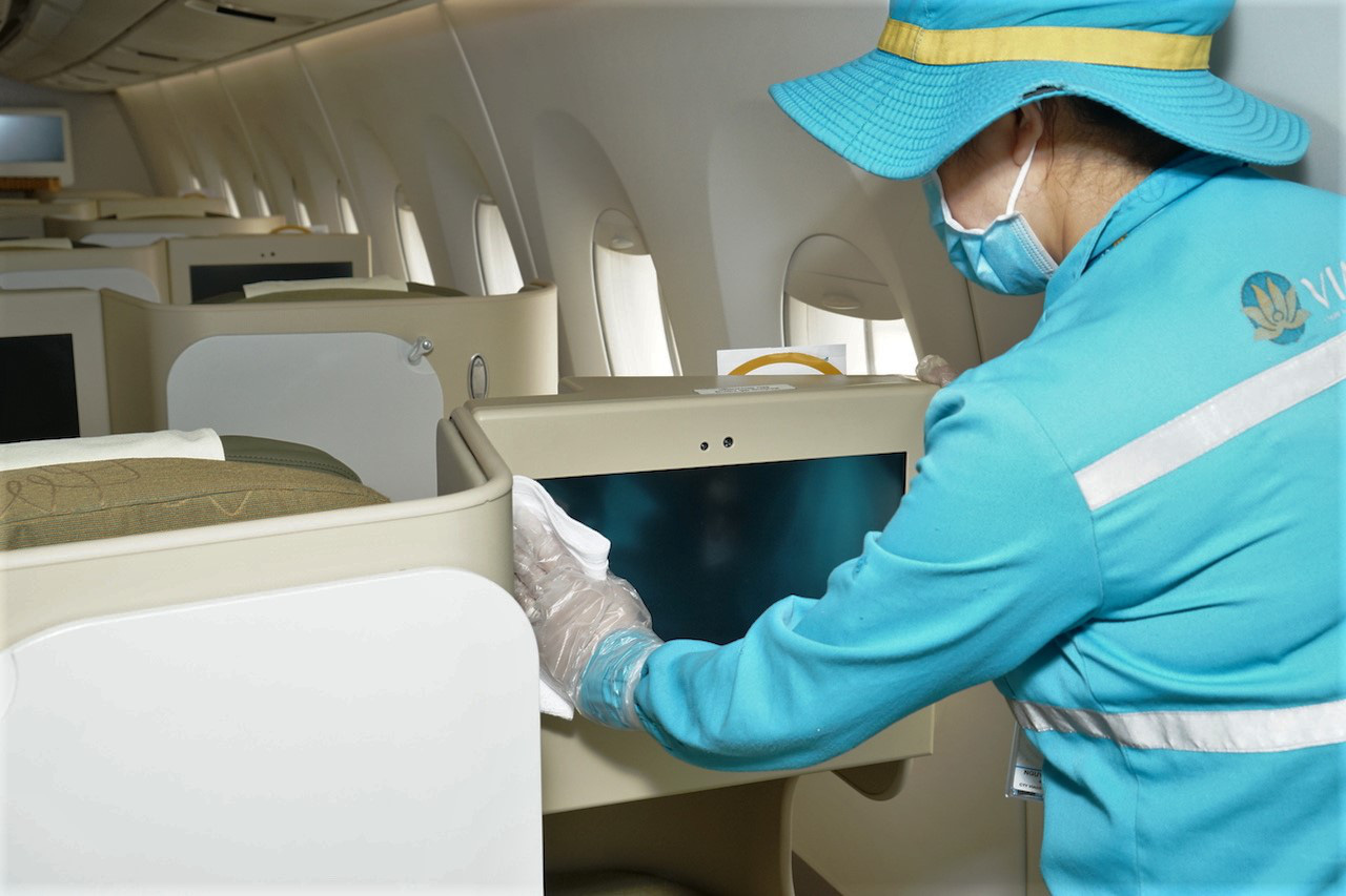 Vietnam Airlines giảm một nửa số chuyến bay từ Hà Nội và TP HCM tới Đà Nẵng vì qui định cách li bắt buộc - Ảnh 3.