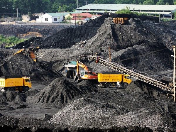 Giá thép xây dựng hôm nay (1/4): Giá quặng sắt cải thiện khi hoạt động của các nhà máy tăng trưởng trong tháng 3 - Ảnh 1.