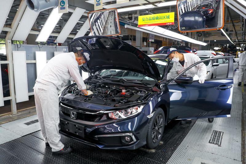 Tình thế đảo ngược: các nhà sản xuất Trung Quốc phải chạy theo khách hàng nước ngoài - Ảnh 5.