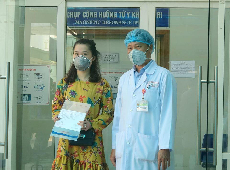 Mùa COVID-19 : Xin gửi lòng biết ơn chân thành đến các bác sĩ - Ảnh 1.