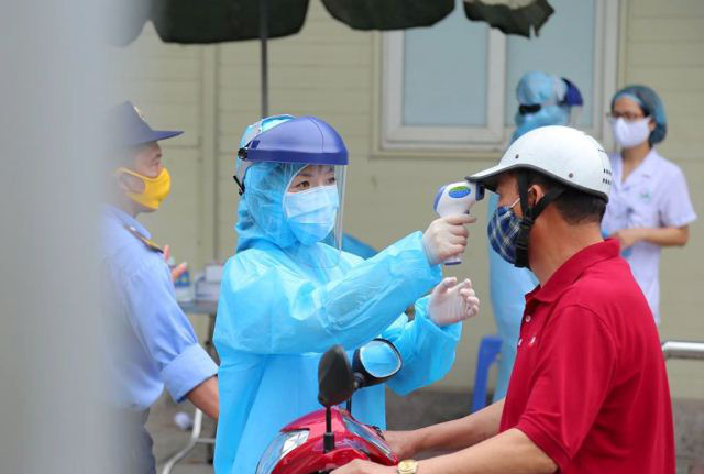 Thêm 5 ca nhiễm COVID-19 mới, hai trường hợp liên quan đến BV Bạch Mai, tổng số ca lên 174 - Ảnh 1.
