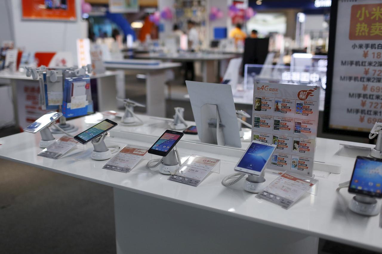 Thị trường smartphone thế giới giảm mạnh vi dịch COVID-19 - Ảnh 1.