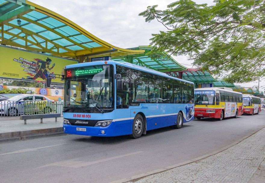 Hà Nội tạm dừng toàn bộ hoạt động xe buýt đến ngày 15/4, taxi không được dùng điều hòa - Ảnh 1.