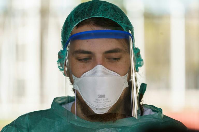 Cập nhật tình hình dịch virus corona ngày 29/3: Việt Nam có ca nhiễm thứ 179, số ca tử vong tại Italy vượt 10.000 - Ảnh 1.