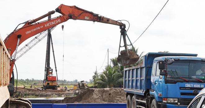Hạn mặn làm khó dự án Cao tốc Trung Lương - Mỹ Thuận - Ảnh 2.
