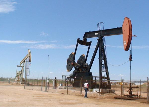 Bản tin thị trường năng lượng ngày 27/3: Giá dầu đánh dầu tuần thứ 5 giảm liên tiếp - Ảnh 1.