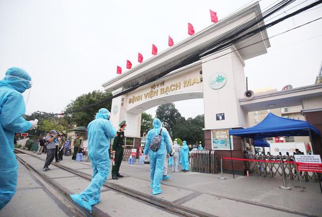 Chủ tịch Hà Nội: Khẩn trương lấy mẫu xét nghiệm những người đã đến Bệnh viện Bạch Mai từ ngày 10-25/3  - Ảnh 1.