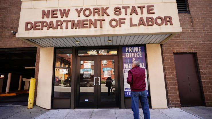 Chuyên gia Fed dự đoán 47 triệu người Mỹ mất việc, tỉ lệ thất nghiệp lên đến 32% - Ảnh 1.