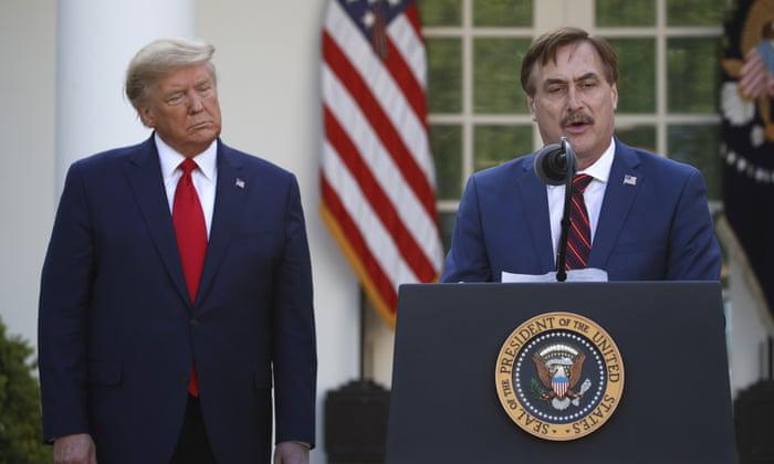 Tổng thống Trump bị cáo buộc biến họp báo Nhà Trắng thành 'show' quảng cáo cho doanh nghiệp đồng minh - Ảnh 1.