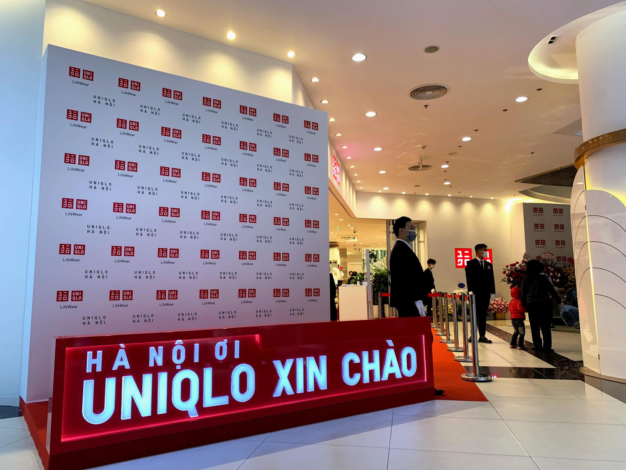 Bên trong cửa hàng Uniqlo lớn nhất Đông Nam Á ở Hà Nội có gì? - Ảnh 4.