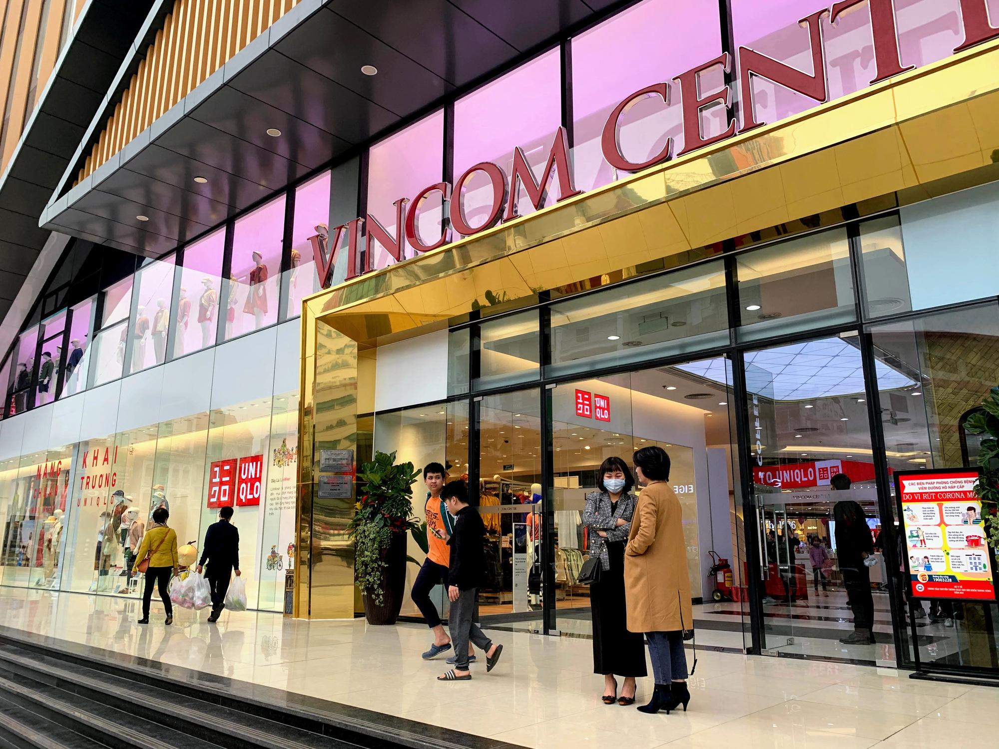 Bên trong cửa hàng Uniqlo lớn nhất Đông Nam Á ở Hà Nội có gì? - Ảnh 5.