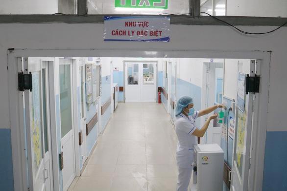 TP HCM cách li 11 người liên quan đến bệnh nhân thứ 17 nhiễm COVID-19 - Ảnh 1.