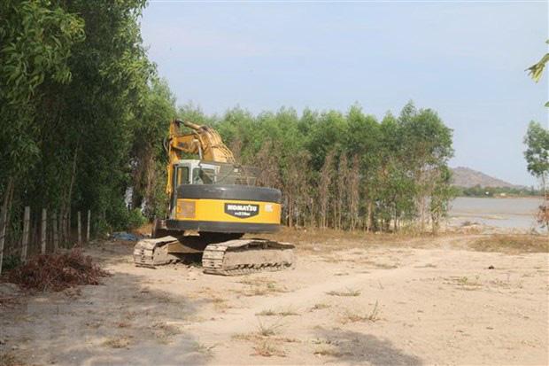 Bà Rịa-Vũng Tàu: Rầm rộ hoạt động bơm hút cát tại hồ Châu Pha - Ảnh 2.