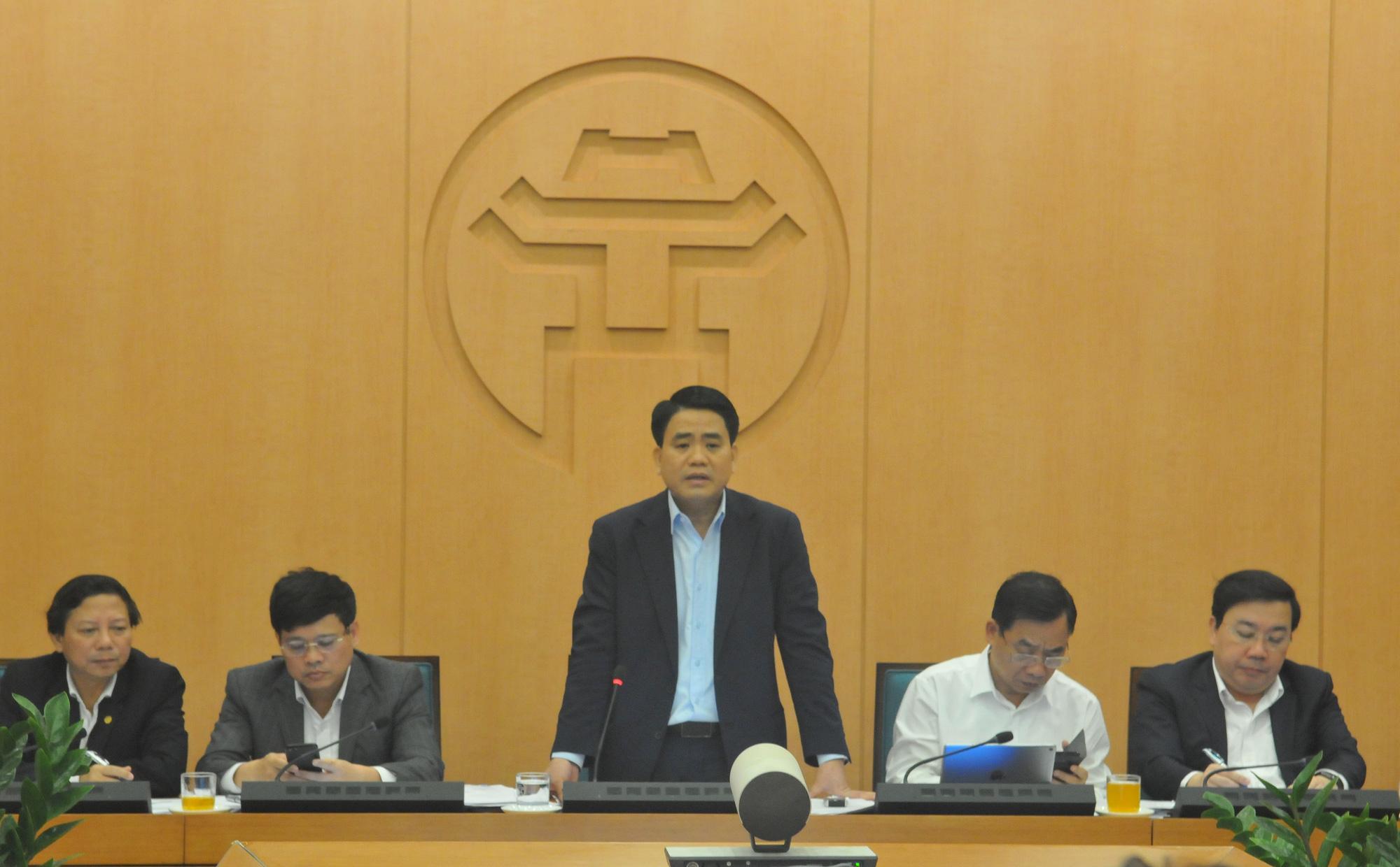 Chủ tịch Hà Nội: Diễn biến COVID-19 trên địa bàn phức tạp, không loại trừ khả năng có ca nhiễm mới - Ảnh 1.