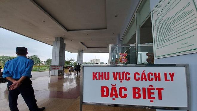 Lịch trình di chuyển và 180 người tiếp xúc dạng F1, F2, F3 với hai vợ chồng người Anh nhiễm COVID-19 ở Lào Cai - Ảnh 1.