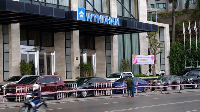Lịch trình di chuyển và những điểm ghé chân tại Quảng Ninh của 4 khách nước ngoài nhiễm COVID-19  - Ảnh 1.