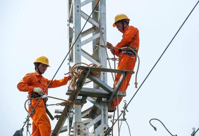 TP HCM đề nghị giảm giá điện 50% - Ảnh 2.