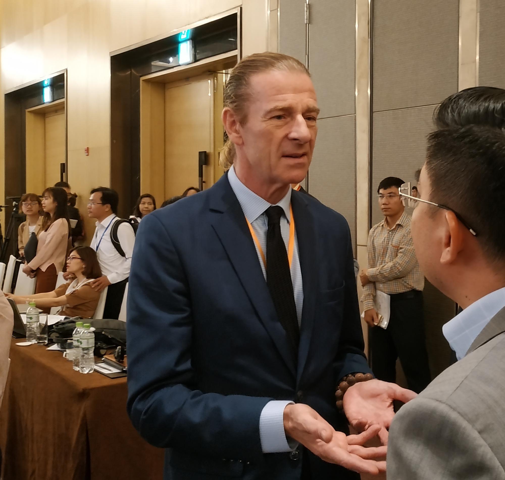Dragon Capital trở thành cổ đông lớn của Hòa Phát, bán gần 1 triệu cp FRT - Ảnh 1.