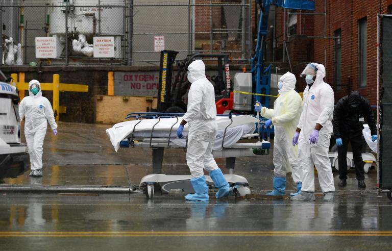 Cập nhật tình hình dịch virus corona ngày 13/4: Anh cán mốc 10.000 ca tử vong, Việt Nam có 262 ca nhiễm - Ảnh 1.